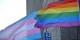 Unis dans une même lutte, les drapeaux LGBT et transgenre flottent côte à côte. Foto:  Silar / Wikimedia Commons / CC-BY-SA 4.0int