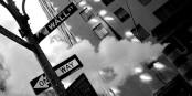 Das Bild stimmt - Wall Street und die anderen Börsen befinden sich in einer Einbahnstrasse... Foto: Sparkx 11 at English Wikipedia / Wikimedia Commons / PD