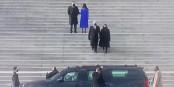 Und tschüss - Vizepräsident Mike Pence verlässt das Capitol. Auf dieser Treppe hätten wir auch gerne Donald Trump gesehen... Foto: ScS EJ