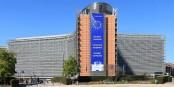 """Lösungen bietet die EU-Kommission keine an - dafür verschickt sie """"blaue Briefe""""... Foto: EmDee / Wikimedia Commons / CC-BY-SA 4.0int"""