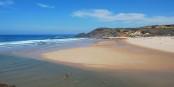 La Praia da Amoreira, une des plus belles plages de la Costa Vicentina.  Foto: Tiago J. G. Fernandes / Wikimedia Commons / CC-BY 2.0