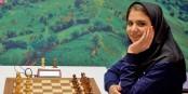 La joueuse d'échecs de renommée internationale Sara-Sadat Khadem Al-Sharieh, n'a pas un regard malicieux pour rien... Foto: Irfcpersian / Wikimedia  Commons / CC-BY-SA 4.0