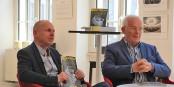 """Patrick Adler et Jean-Luc Fournier lors de la présentation du nouveau numéro de """"Or Norme"""" - celui qui marque les 10 ans de parution. Bravo! Foto: Eurojournalist(e)"""