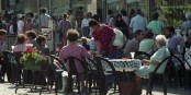 Ab heute (sofern das Wetter mitspielt) sind in Südbaden Terrassen und Restaurants wieder geöffnet. Foto: Bundesarchiv B 145 Bild-F088826-0030 / Faßbender, Julia / CC-BY-SA 3.0