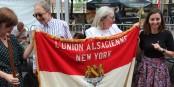 """Selbst aus New York waren elsässische Delegationen zum """"Alsace Fan Day"""" angereist... Foto: Eurojournalist(e)"""