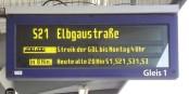 Dank einer klugen Entscheidung der GDL wird man diese Schilder nicht in der Sommerreisezeit sehen... Foto: Joachim Müllerchen / Wikimedia Commons / CC-BY-SA 3.0