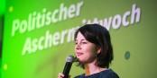 Ist für Annalena Baerbock am Ende schon alles vorbei? Foto: Bündnis90/Die Grünen Nordrhein-Westfalen from Düsseldorf, Germany / Wikimedia Commons / CC-BY-SA 2.0
