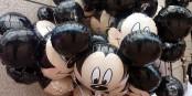 """Disneyland - in 48 Stunden heisst es dort für Nicht-Geimpfte """"wir müssen leider draussenbleiben""""... Foto: Sean MacEntee from Monaghan, Ireland / Wikimedia Commons / CC-BY 2.0"""
