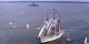 En comparaison avec des bâtiments modernes, le Sagres III ou NRP Sagres a toujours fière allure, même quand il ne navigue pas toutes voiles dehors. Foto: Jay McIntosh / Wikimedia Commons / CC PD-Mark
