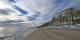 N'allez pas croire qu'à Marbella, en temps de pandémie de Covid-19, la plage n'est fréquentée que par les mouettes. Foto:  Peter et Michelle / Wikimedia Commons / CC-BY 2.0