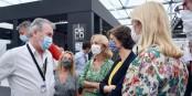 """Le président de """"Strasbourg Passions et Elégance"""", Pascal Houssais, en expliquant le projet aux élues. Foto: (c) Nicolas Rosès"""