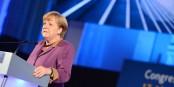 Angela Merkel wird in der Bundespolitik fehlen. Aber bereits jetzt fehlt sie der CDU, die immer weiter abstürzt. Foto: European People's Party / Wikimedia Commons / CC-BY 2.0