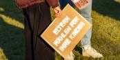 """""""Les parents votent pour leurs enfants""""... pancarte pendant la campagne électorale en Allemagne. Foto: Rogi Lensing / Wikimedia Commons / CC-BY-SA 3.0"""